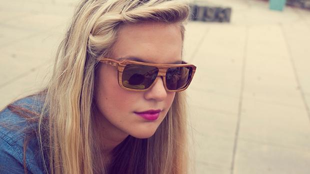 Dřevěné brýle Proof