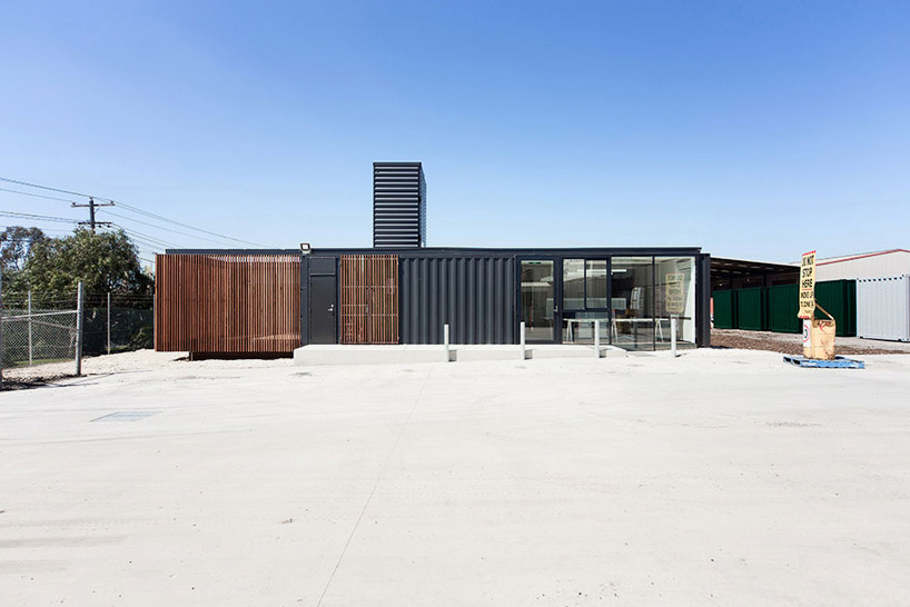 room-11-royal-wolf-melbourne-headquarters-designboom-02