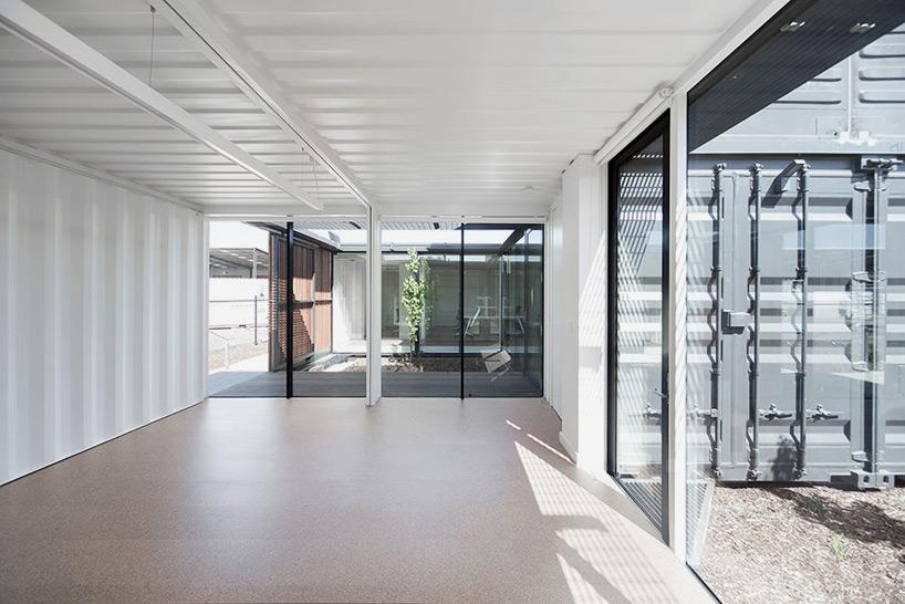 room-11-royal-wolf-melbourne-headquarters-designboom-04