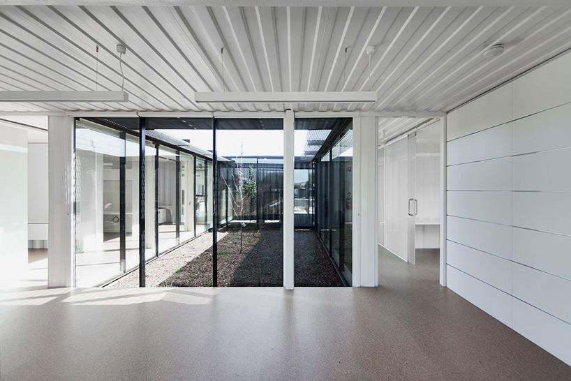 room-11-royal-wolf-melbourne-headquarters-designboom-08