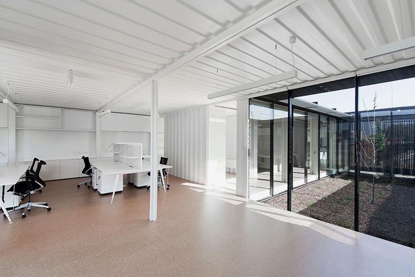 room-11-royal-wolf-melbourne-headquarters-designboom-10