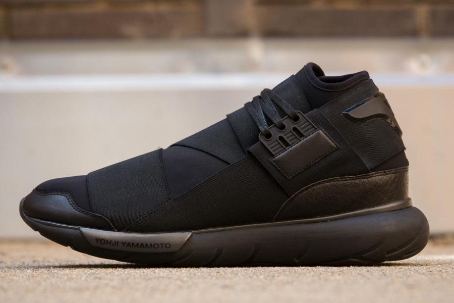 adidas-qasa-hi-black-01