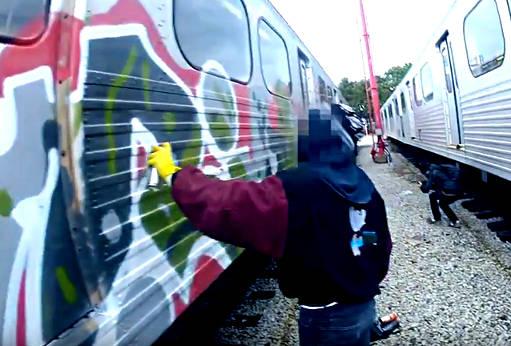 Hit-The-Road-Kokot-Official-Vandal-511