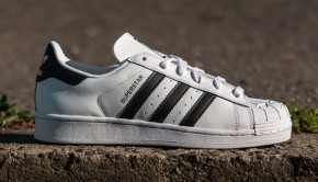 adidas-superstar-nigo-bearfoot-ftw-white-core-black-ftw-white(1)
