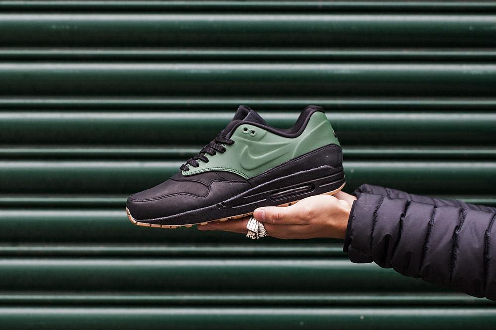 Nike-Air-Max-Vac-Tech-Gorge-Green-1