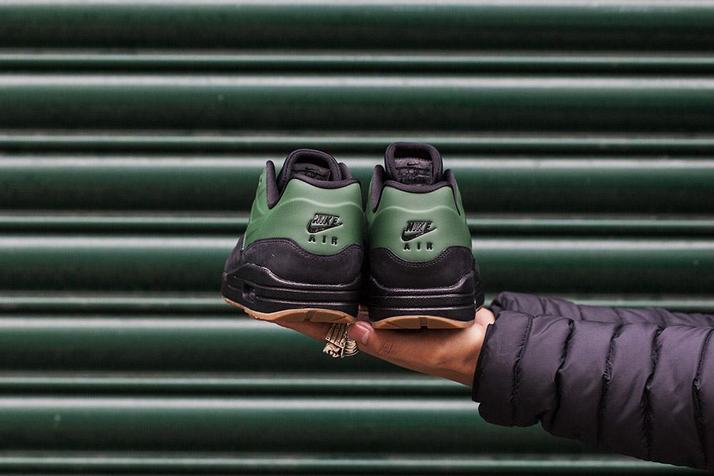 Nike-Air-Max-Vac-Tech-Gorge-Green-3