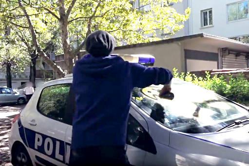On-ne-plaisante-pas-avec-la-police-511