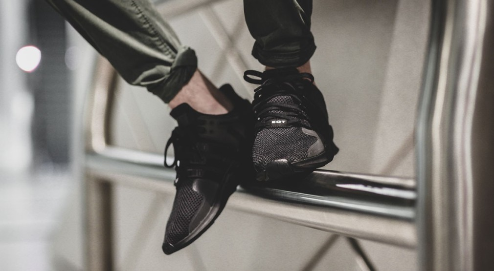 adidas-EQT-ADV-Support-Triple-Black-1-1010x555