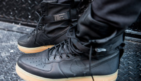 nike-special-field-air-force-1-on-feet-2
