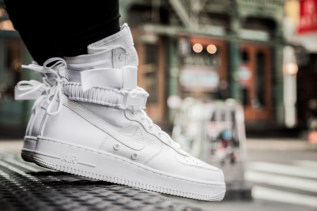 nike-special-field-air-force-1-on-feet-5