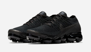 nike-air-vapormax-triple-black-1